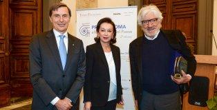 Alberto Mantovani riceve il premio Roma per lo sviluppo del paese
